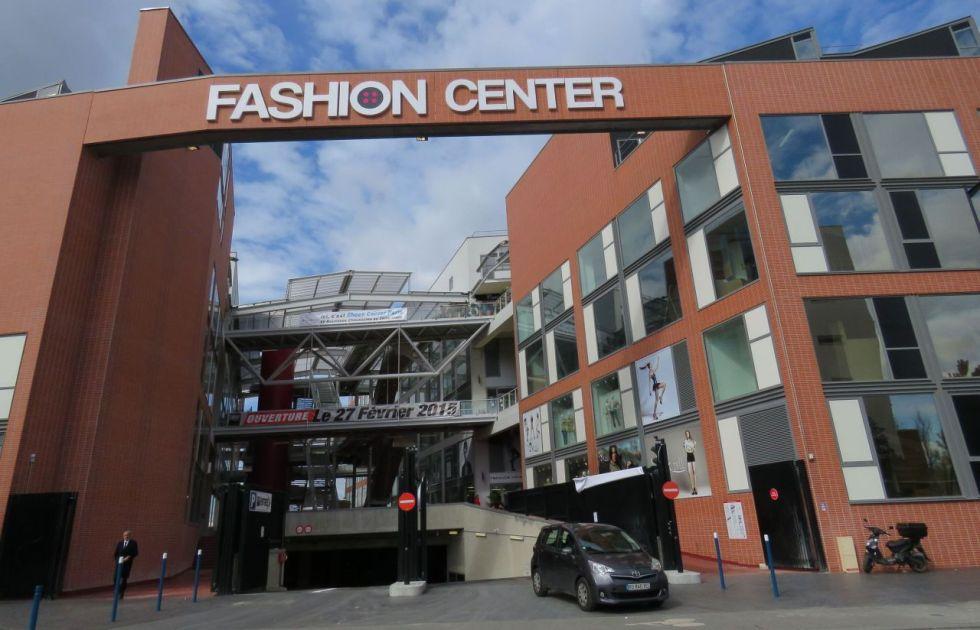 fashion center a paris la mode s approvisionne aubervilliers le blog de touati immo. Black Bedroom Furniture Sets. Home Design Ideas